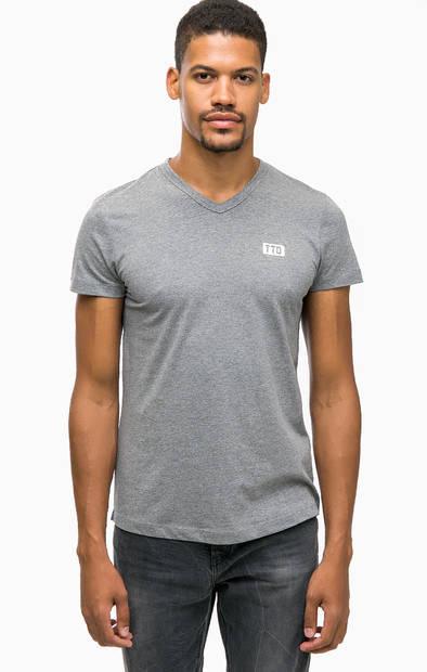 Хлопковая футболка с треугольным вырезом