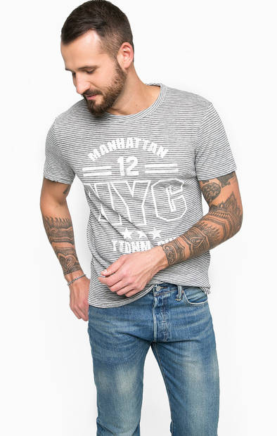 Серая футболка с короткими рукавами